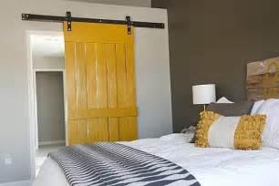 Do It Yourself Sliding Barn Door Sur La Fa 231 On De Faire Une Porte Coulissante Avec Palettesmeuble En Palette Meuble
