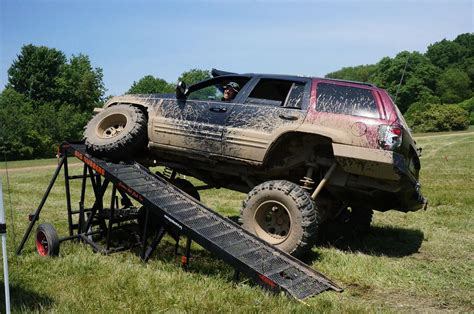 dennis wj 8 quot lift on 37 s clayton offroad