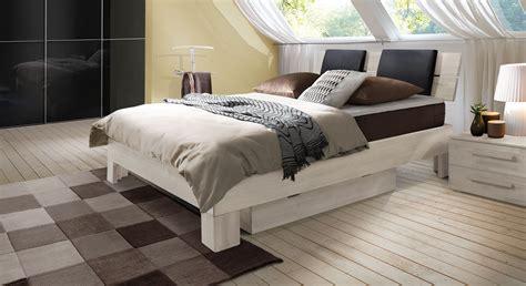 Weisse Betten Holz by Bett Holz Wei 223 Lackiert Speyeder Net Verschiedene