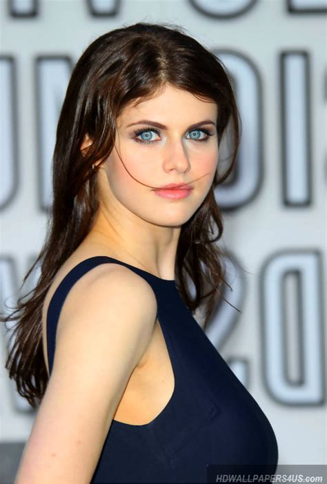 wallpaper hd for desktop of actress alexandra daddario hd desktop wallpapers hd wallpapers 4