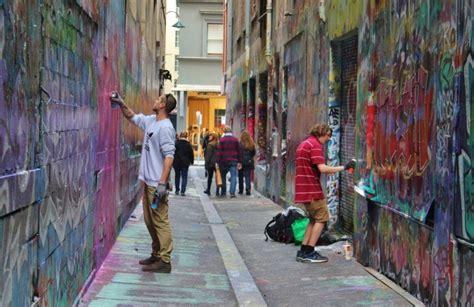 laneways  melbourne alleys arcades  street art