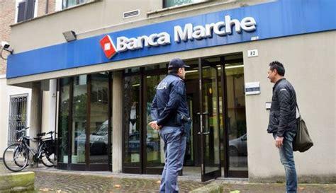 Banca Delle Marche Orari by Rimini S Introducono Nella Notte Nella Filiale Della