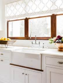 kitchen window blinds ideas choosing window treatments for your kitchen window home bunch interior design ideas