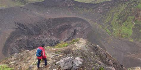 Senter Untuk Mendaki Gunung tips memilih sepatu untuk mendaki gunung kompas