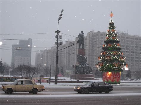 how to make new year tree file new year tree moscow jpg