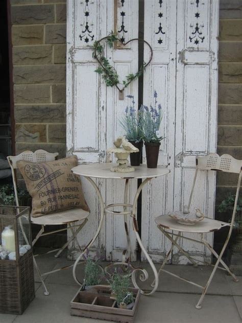 Shabby Chic Vintage Ls by 25 Best Ideas About Shabby Chic Patio On