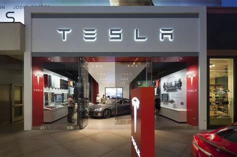 tesla dealership tesla store helpful enthusiastic one chevy volt dealer
