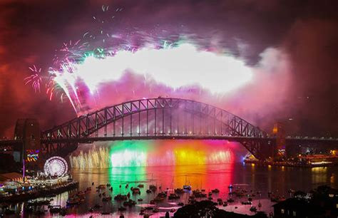 how has new year been celebrated in australia new year s 2017 in pictures happy new year 2018