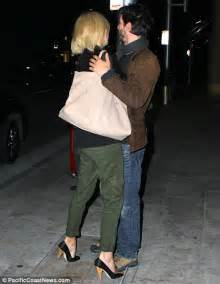 keanu reeves relationships charlize theron and keanu reeves go all camera shy after