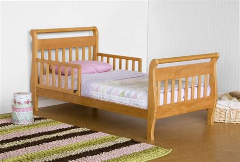 How To Convert A Crib To A Toddler Bed by Toddler Bed Vs Bed Toddlerlogic Org Beds