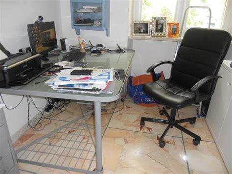 scrivania in vetro ikea scrivania vetro con cavalletti ikea posot class