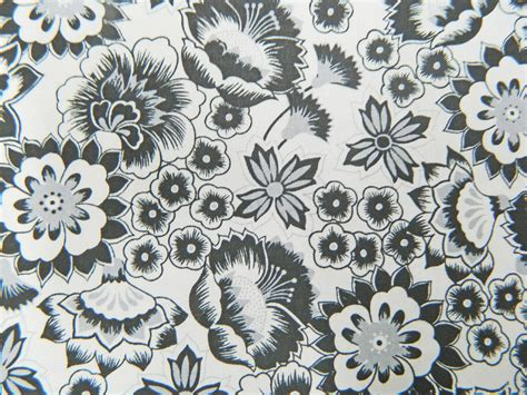 Black And White Patchwork Fabric - patchwork quilting sewing fabric white with black flowers