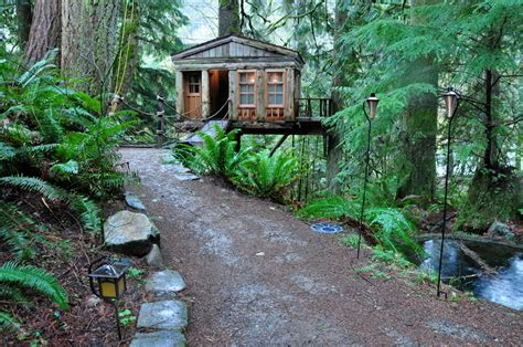 Small Quaint Home Quaint Treehouse Tiny House Swoon