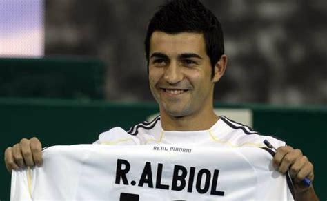 Pin Raul Albiol Real Madrid Napoles Napoli Defensa | pin raul albiol real madrid napoles napoli defensa