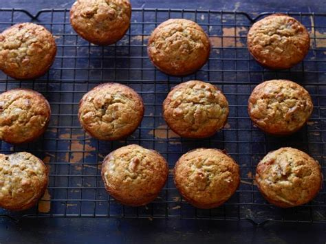 Diet Foods Muffins by Banana Nut Muffins Recipe Florence Food Network