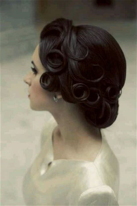Vintage Wedding Hair Designs by 7 Dainty Vintage Updo Hairstyles Pretty Designs