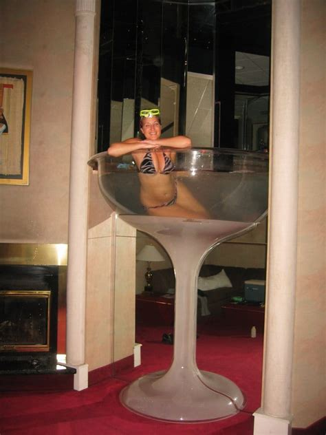 martini glass bathtub hotel seven foot tall chagne glass hot tub in the cleopatra