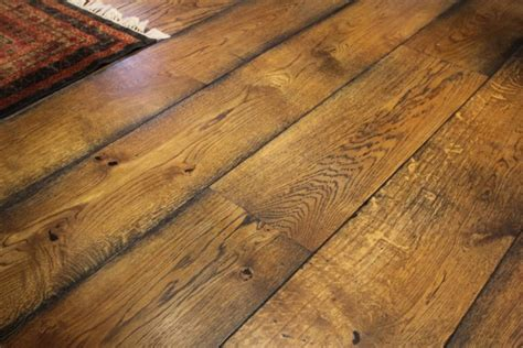 oak effect laminate flooring which is a highly engineered
