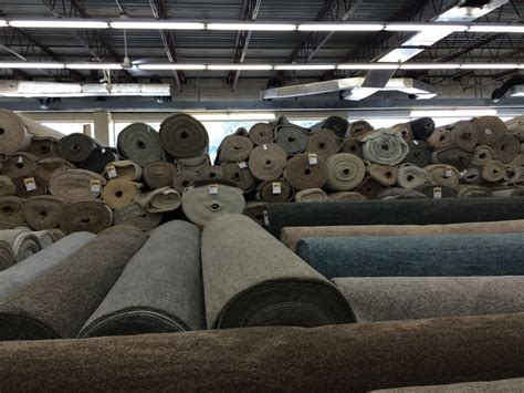 Rug Factory Outlet by Carpet And Carpets Carpet Factory Outlet Milwaukee Wi