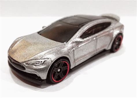 Hotwheels Tesla Model S 2016 tesla model s is now available as matchbox and wheels car autoevolution