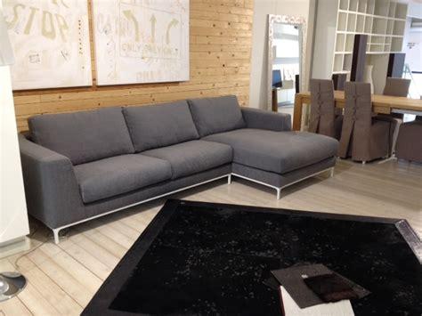 divano grigio divano artis in tessuto grigio divani a prezzi scontati