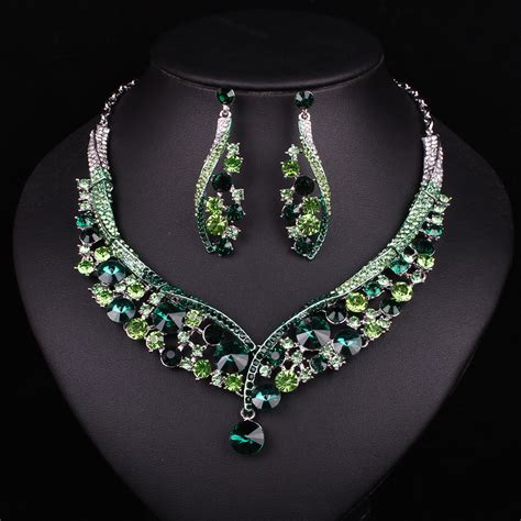 fashion indian jewellery green necklace earrings