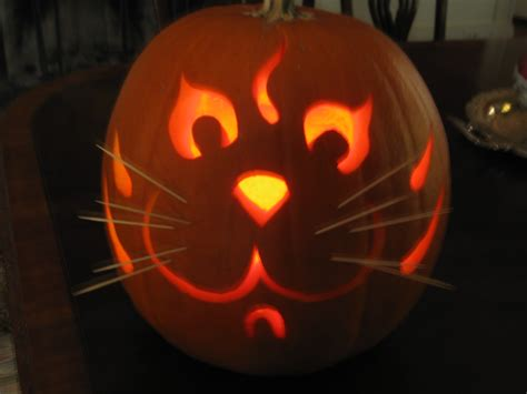 easy cat pumpkin carving