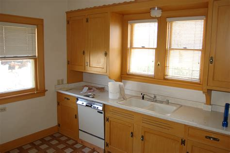 Paint Kitchen Cabinets Before And After How To Painting Kitchen Cabinets