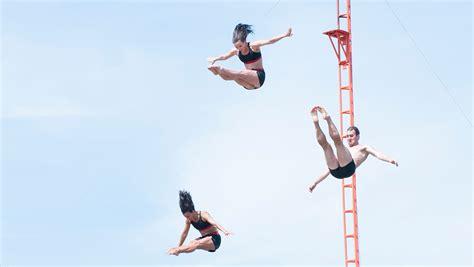 dive shows toverland zeigt quot the magic goblet quot high diving show 2015