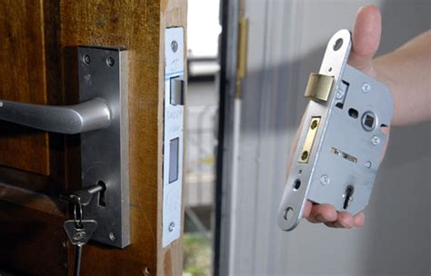 Changing Locks On Door by Car And Vehicle Lock Changes Lock Solid Carlisle 24