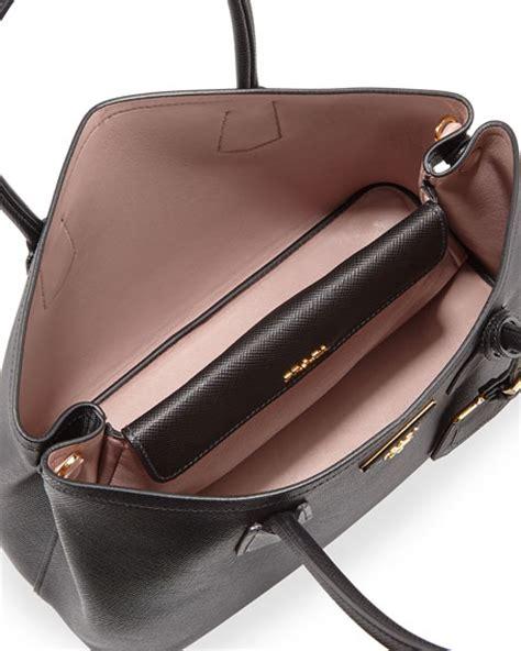 Prada Mawar U N G U prada saffiano cuir small tote bag black pale pink nero