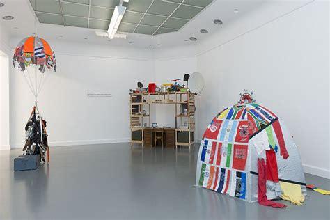 tentoonstelling design academy eindhoven verbindt van abbemuseum