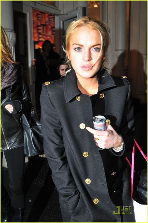 Lindsay Lohan Likes To A Lot by Lindsay Lohan Likes To Intermix A Lot Photo 2404612