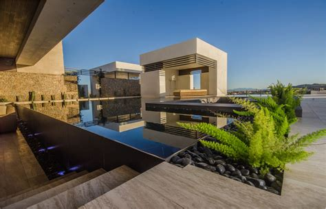 foxtail fern Pool Modern with infinity pool disappearing