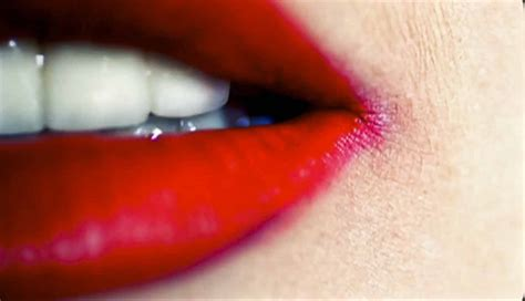 the right shade of red how to apply red lipstick