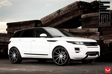 Looks Of Range Rover Evoque Put On Custom Wheels