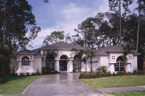 florida style home plans siesta hill florida style home plan 047d 0048 house