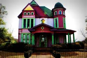 colorful house plantation home house colorful color pink purple