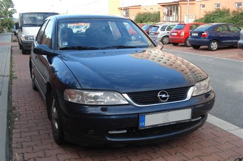 Opel Vectra B by Opel Vectra B 2000 Rok