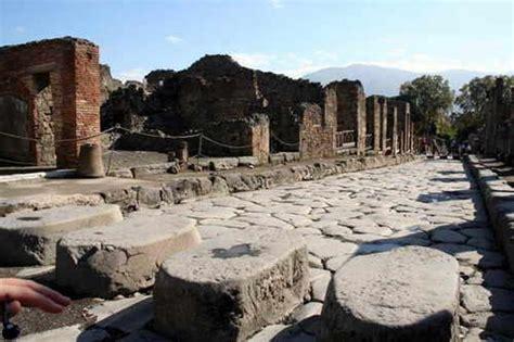 scavi di pompei ingresso scavi di pompei arriva il rincaro dei biglietti road tv