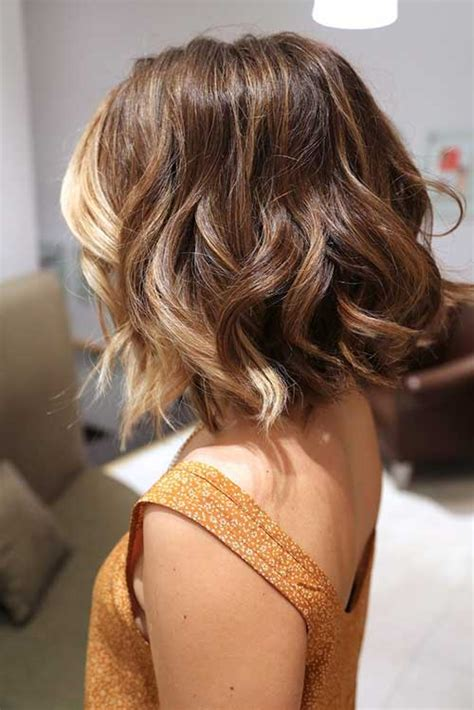 hairstyles wavy hair short 20 popular wavy medium hairstyles hairstyles haircuts