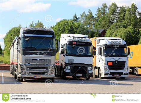 trucks   truck stop editorial photography image  forwarding
