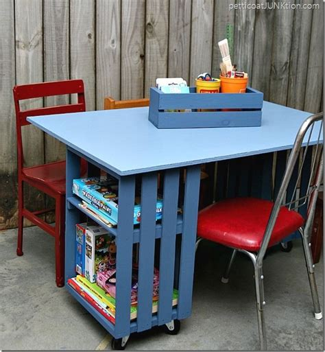Diy Toddler Desk 25 Best Ideas About Crate Table On Pinterest Wood Crate Table Crate Nightstand And Crate