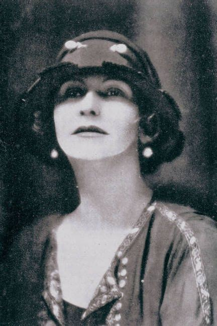 coco chanel mini biography 17 best images about coco chanel on pinterest costume
