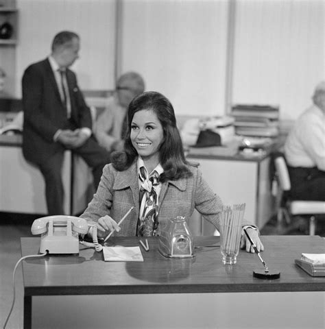 mary tyler moore 1970 episodes cast mary tyler moore dies at 80