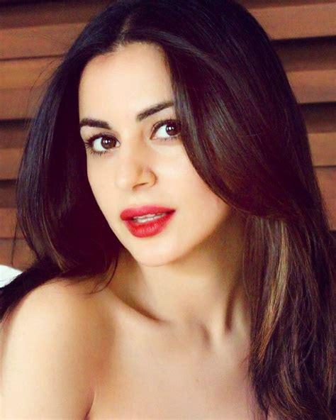 arya indian actress shraddha arya albums arya indian actresses desi