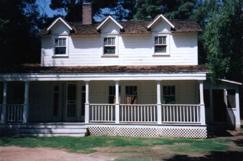 the waltons house floor plan can i please have this porch the walton s house then the dragonfly inn gilmore girls