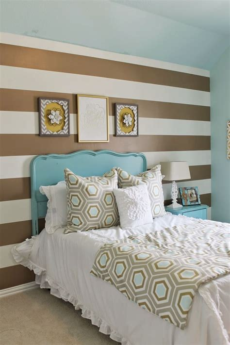 shabby chic meets glam in this cute teens room gold and