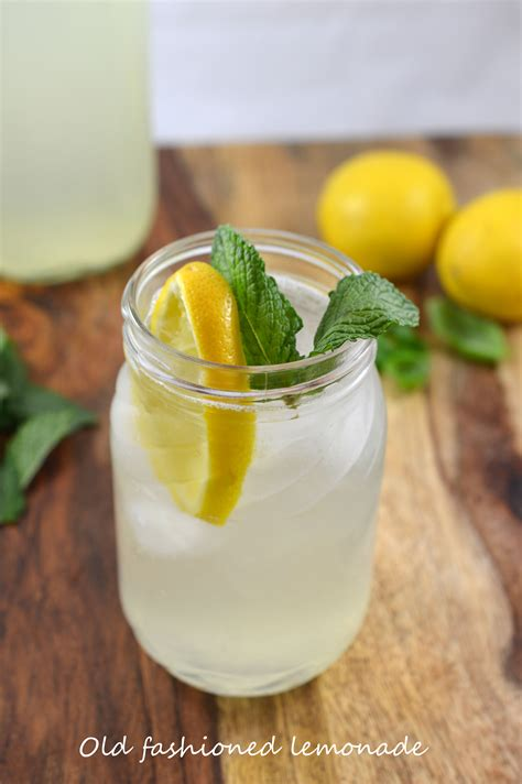 Handmade Lemonade - lemonade recipe by chefsavvy