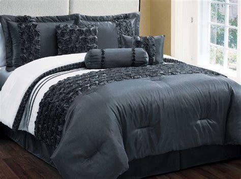 kinglinen queen comforter sets 36 best images about home kitchen comforters sets on